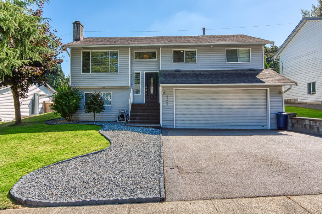 Photo 30: Photos: 33002 MALAHAT Place in Abbotsford: Central Abbotsford House for sale : MLS®# R2403238