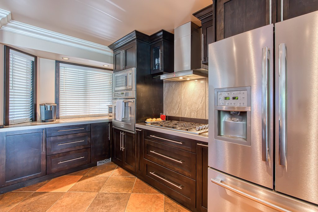 Photo 10: Photos: 33002 MALAHAT Place in Abbotsford: Central Abbotsford House for sale : MLS®# R2403238