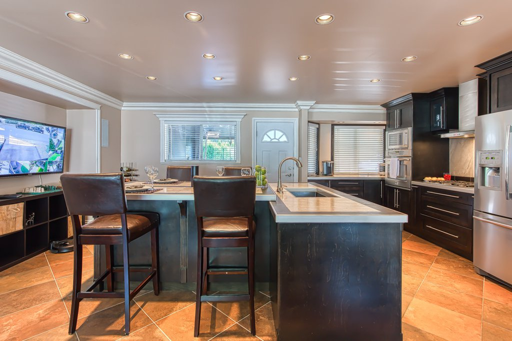 Photo 9: Photos: 33002 MALAHAT Place in Abbotsford: Central Abbotsford House for sale : MLS®# R2403238