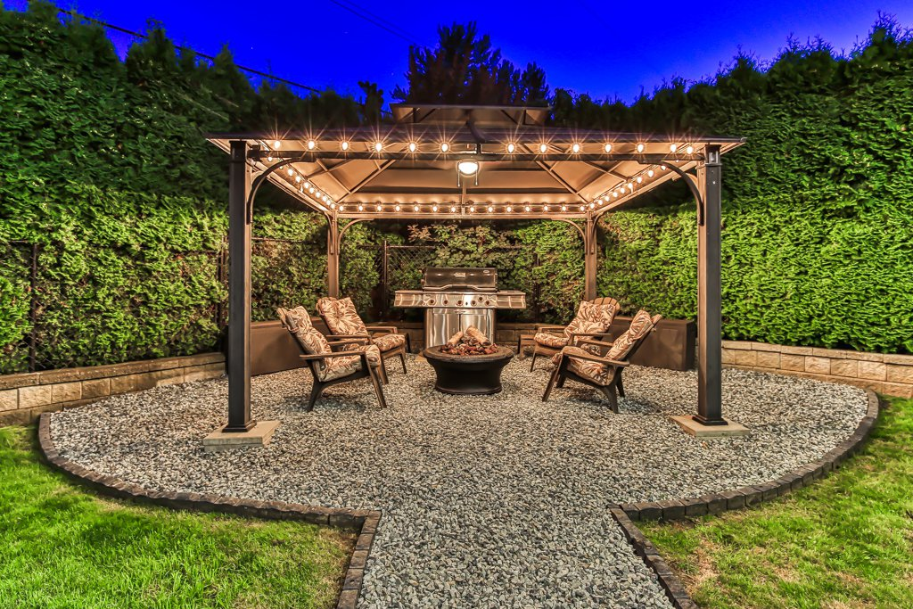 Photo 7: Photos: 33002 MALAHAT Place in Abbotsford: Central Abbotsford House for sale : MLS®# R2403238