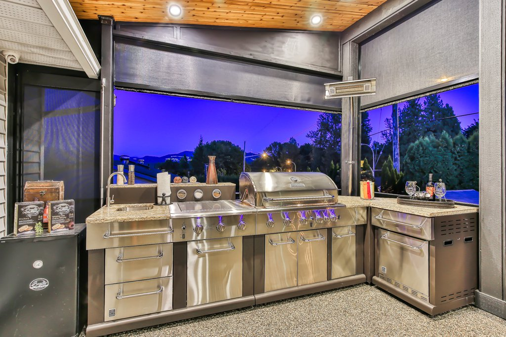 Photo 3: Photos: 33002 MALAHAT Place in Abbotsford: Central Abbotsford House for sale : MLS®# R2403238