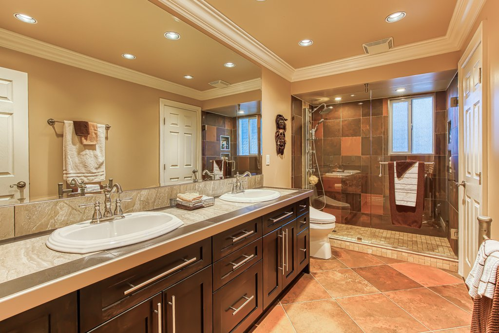 Photo 16: Photos: 33002 MALAHAT Place in Abbotsford: Central Abbotsford House for sale : MLS®# R2403238