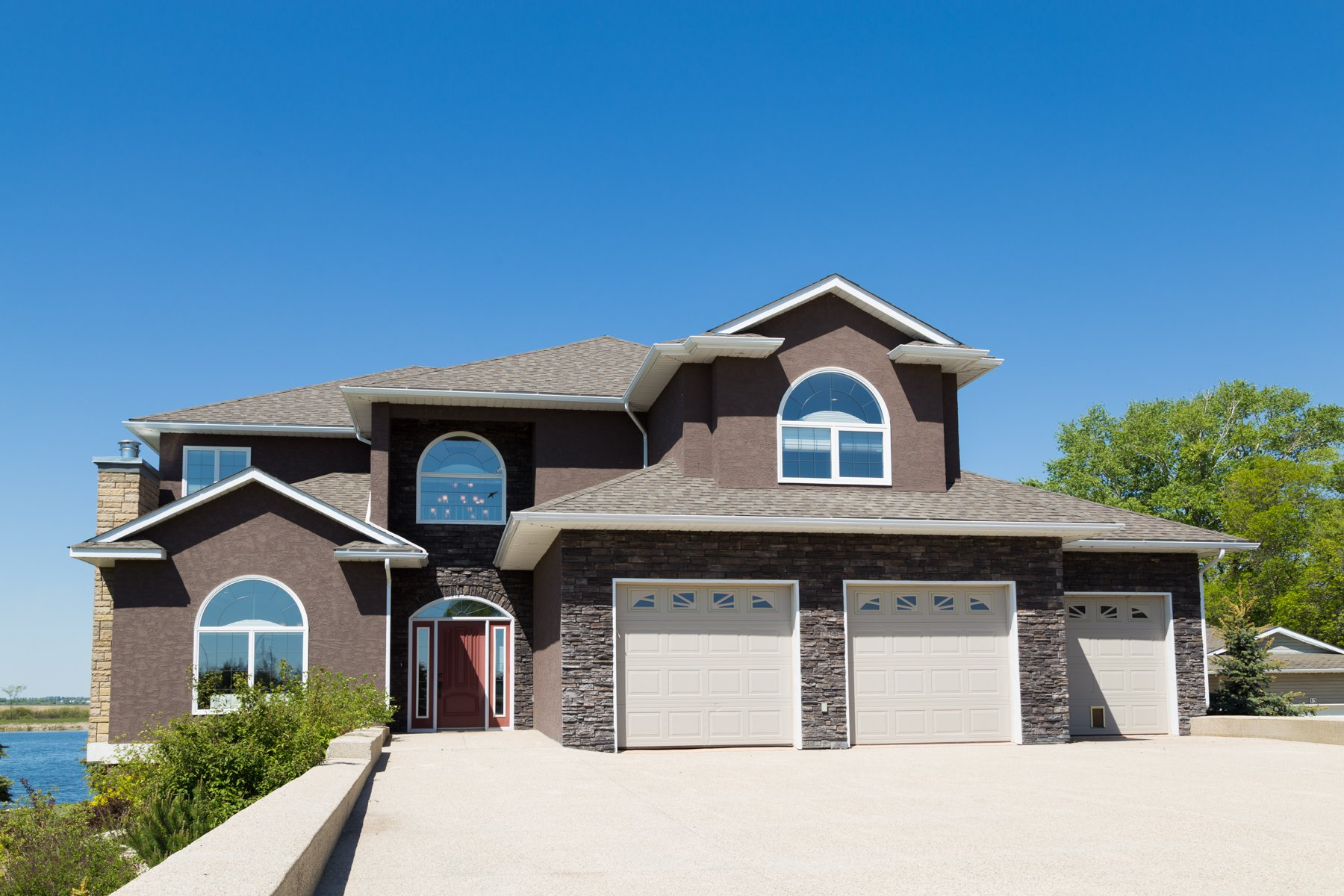 Main Photo: 12 Links Drive in Killarney: House for sale : MLS®# 1714297
