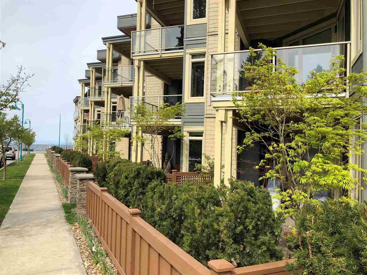 "Main Photo: 113 5160 DAVIS BAY Road in Sechelt: Sechelt District Condo for sale in ""THE WEST"" (Sunshine Coast)  : MLS®# R2421160"