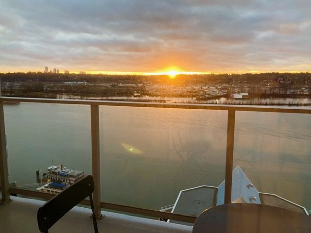 """Main Photo: 2210 988 QUAYSIDE Drive in New Westminster: Quay Condo for sale in """"Riversky2"""" : MLS®# R2459434"""