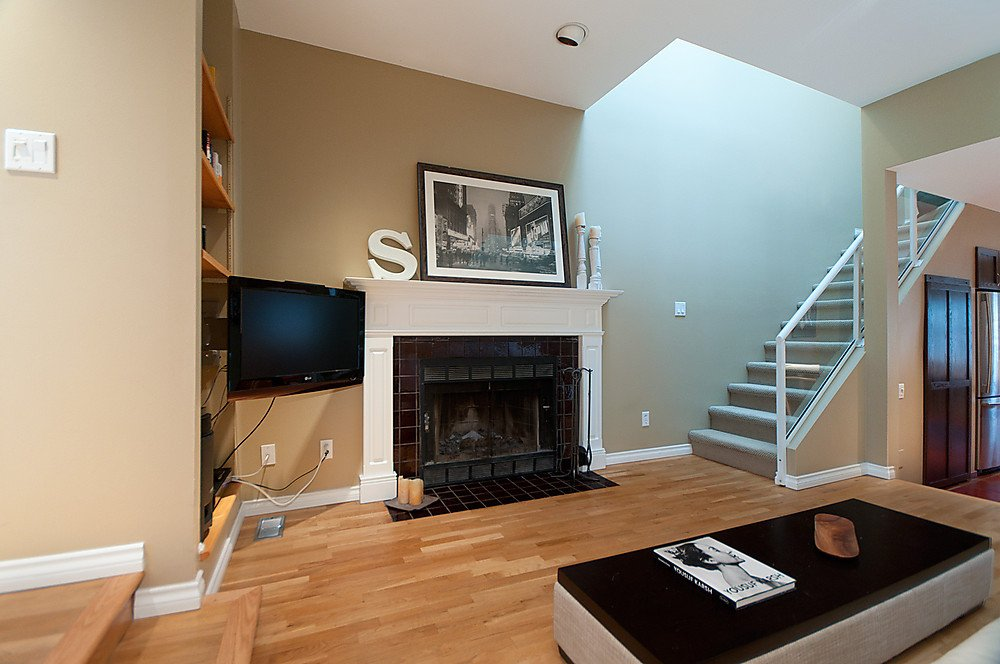 Photo 5: Photos: 4369 W 15TH Avenue in Vancouver: Point Grey House for sale (Vancouver West)  : MLS®# V865308