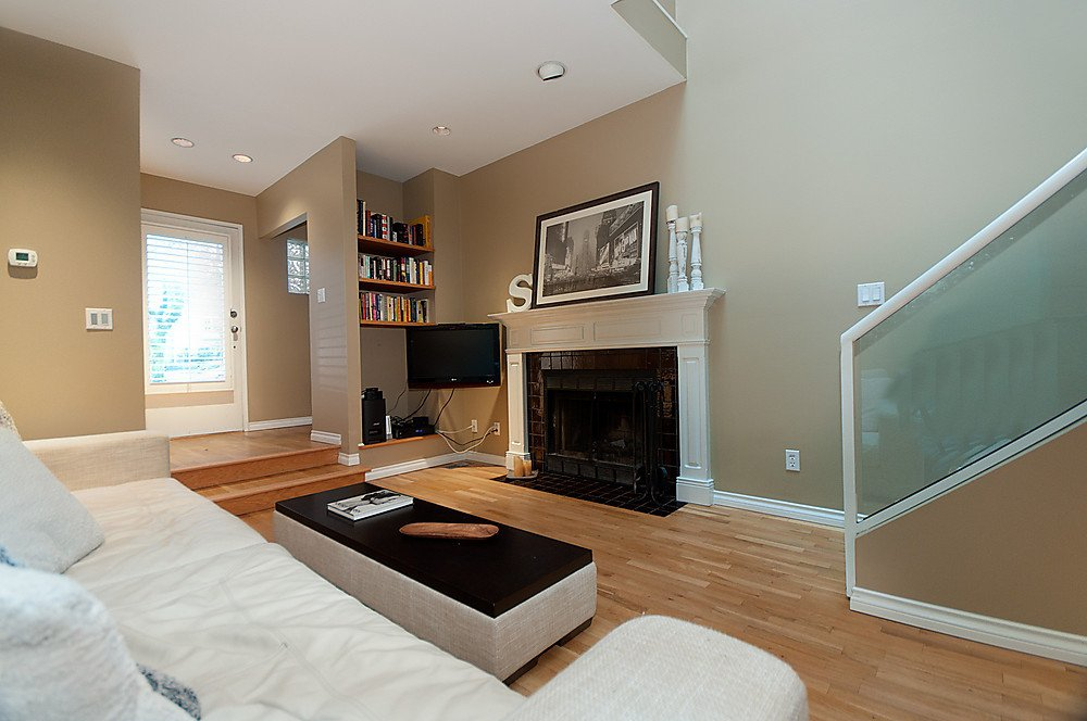 Photo 4: Photos: 4369 W 15TH Avenue in Vancouver: Point Grey House for sale (Vancouver West)  : MLS®# V865308