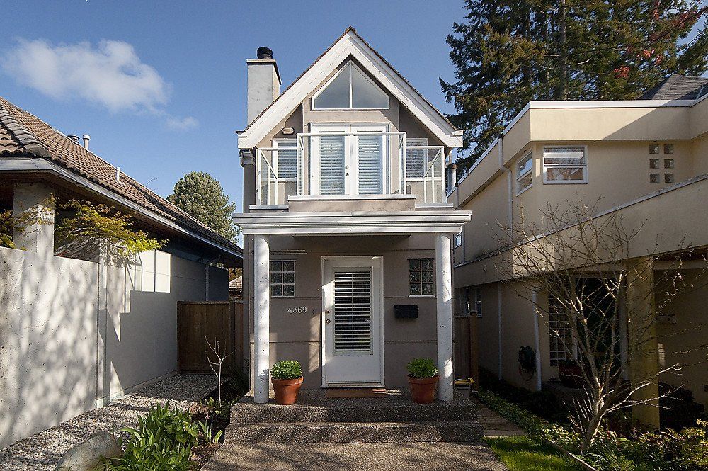 Photo 2: Photos: 4369 W 15TH Avenue in Vancouver: Point Grey House for sale (Vancouver West)  : MLS®# V865308