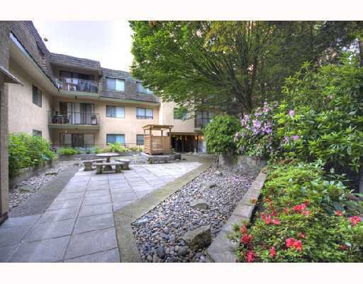 "Main Photo: 204 466 E 8TH Avenue in New_Westminster: Sapperton Condo for sale in ""PARK VILLA/ SAPPERTON"" (New Westminster)  : MLS®# V732486"