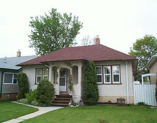 Main Photo: 216 NEIL Avenue in WINNIPEG: East Kildonan Single Family Detached for sale (North East Winnipeg)  : MLS®# 2407384