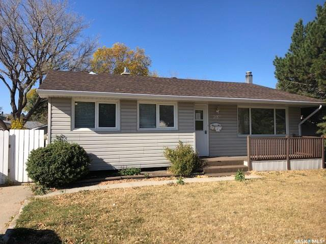 Main Photo: 218 McIntosh Street North in Regina: Normanview Residential for sale : MLS®# SK831173