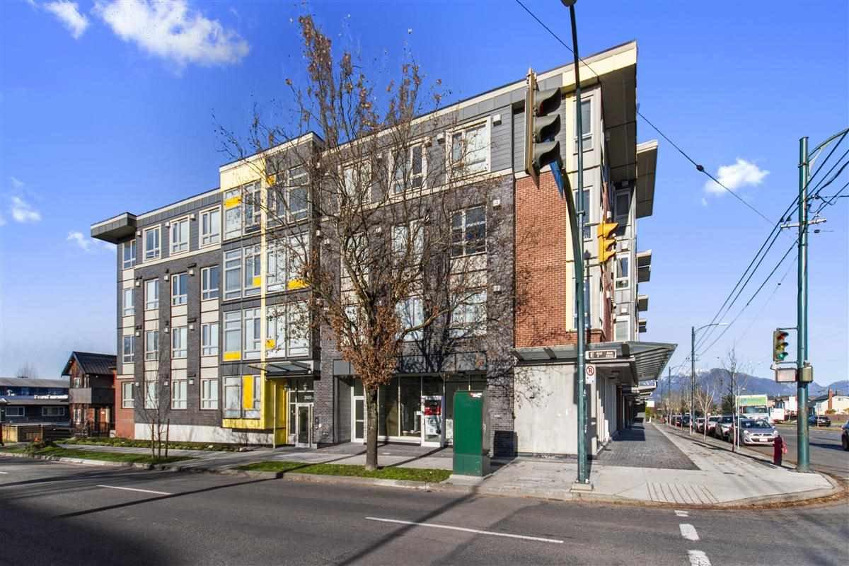 "Main Photo: 209 2889 E 1ST Avenue in Vancouver: Renfrew VE Condo for sale in ""1st and Renfrew"" (Vancouver East)  : MLS®# R2521021"