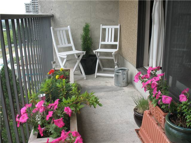 """Photo 9: Photos: 1102 9541 ERICKSON Drive in Burnaby: Sullivan Heights Condo for sale in """"ERICKSON TOWER"""" (Burnaby North)  : MLS®# V842874"""