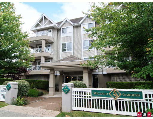 "Main Photo: 202 5568 201A Street in Langley: Langley City Condo for sale in ""Michaud Gardens"" : MLS®# F2819276"