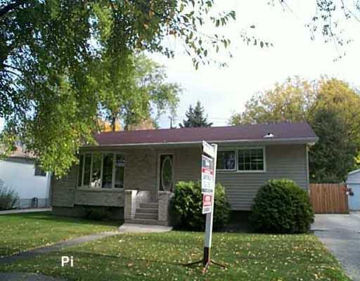 Main Photo: 521 OAKLAND Avenue in WINNIPEG: North Kildonan Single Family Detached for sale (North East Winnipeg)  : MLS®# 2515965