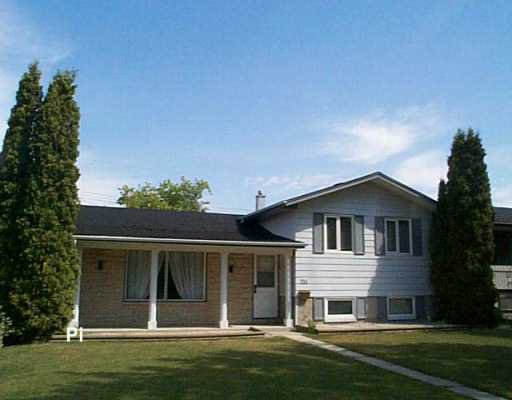 Main Photo: 711 KILDARE Avenue East in WINNIPEG: Transcona Single Family Detached for sale (North East Winnipeg)  : MLS®# 2613003