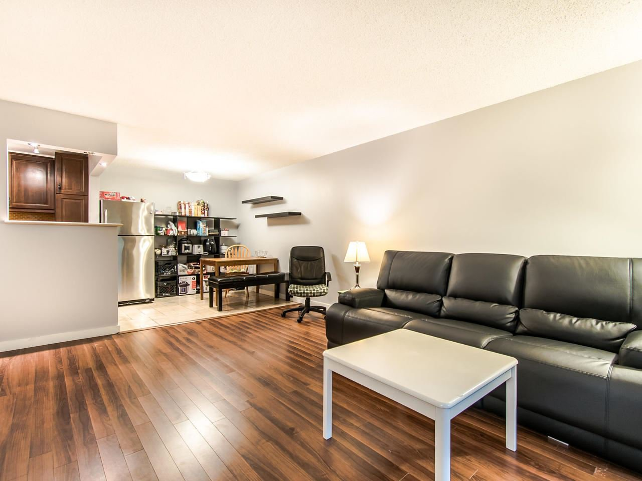 "Main Photo: 309 204 WESTHILL Place in Port Moody: College Park PM Condo for sale in ""WESTHILL PLACE"" : MLS®# R2430617"