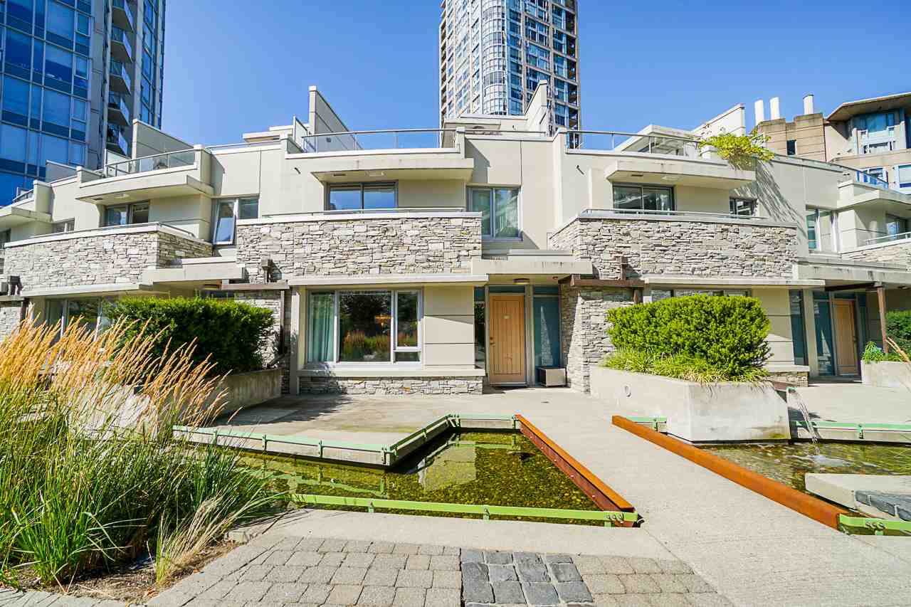 """Main Photo: 225 188 KEEFER Place in Vancouver: Downtown VW Townhouse for sale in """"Espana"""" (Vancouver West)  : MLS®# R2493283"""