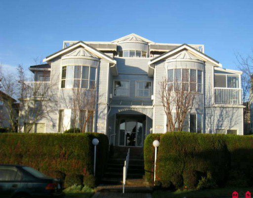 "Main Photo: 202 1467 BEST Street: White Rock Condo for sale in ""BAKERVIEW COURT"" (South Surrey White Rock)  : MLS®# F2926951"