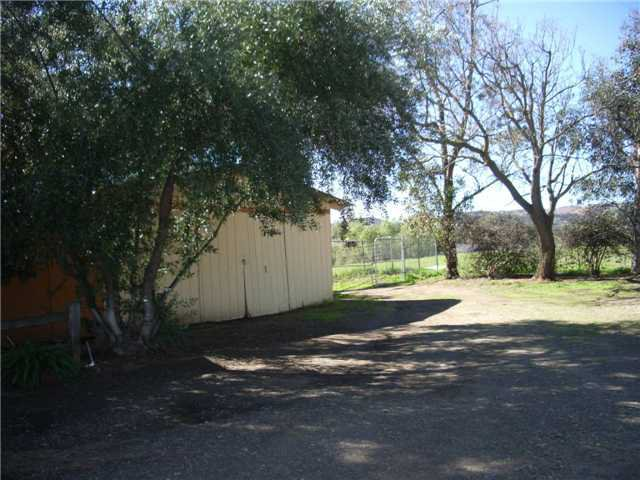 Photo 2: Photos: RAMONA House for sale : 2 bedrooms : 1549 Weekend Villa Rd