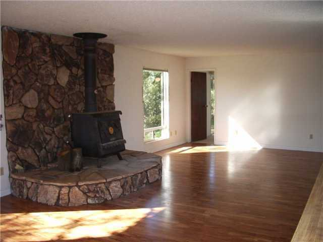 Photo 9: Photos: RAMONA House for sale : 2 bedrooms : 1549 Weekend Villa Rd