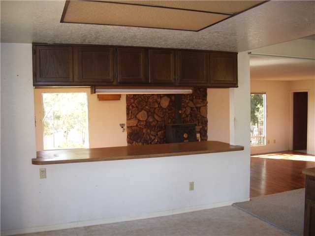 Photo 11: Photos: RAMONA House for sale : 2 bedrooms : 1549 Weekend Villa Rd