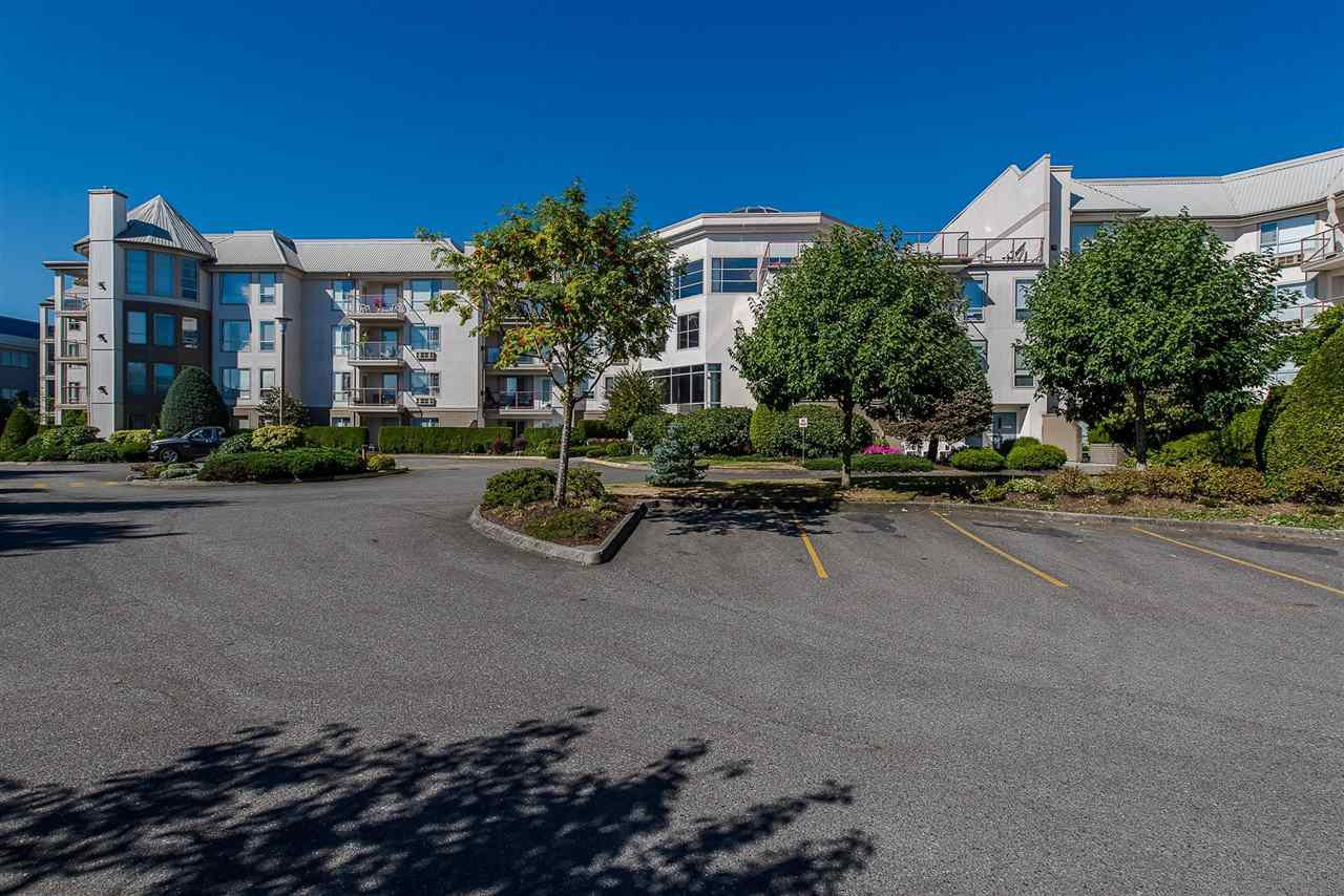 "Main Photo: 117 2626 COUNTESS Street in Abbotsford: Abbotsford West Condo for sale in ""The Wedgewood"" : MLS®# R2389779"
