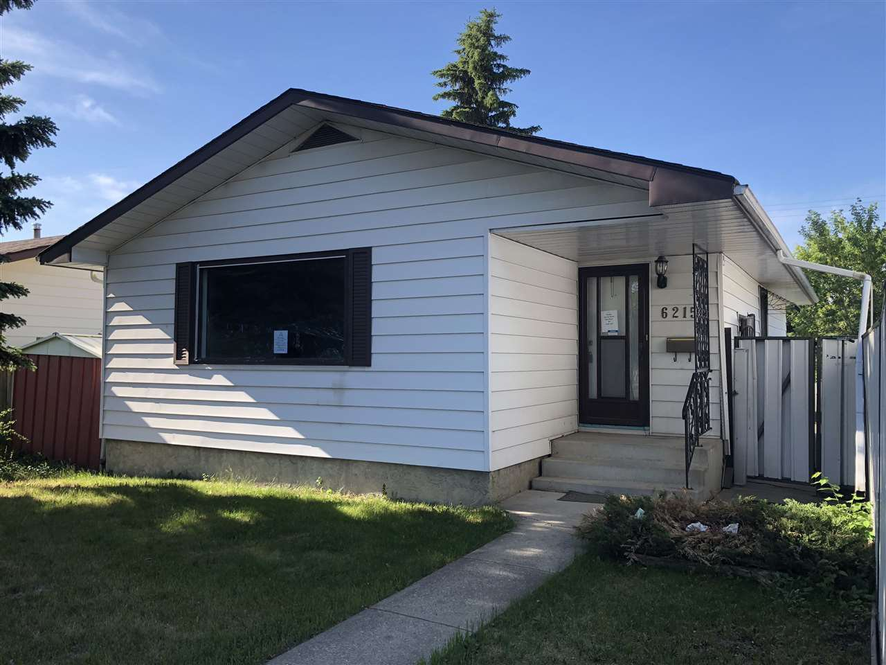 Main Photo: 6215 137 Avenue in Edmonton: Zone 02 House for sale : MLS®# E4173250