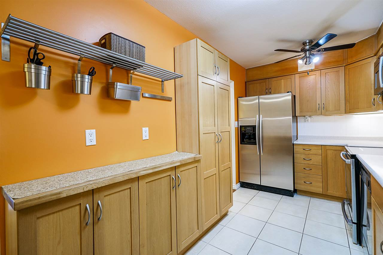 """Main Photo: 302 9101 HORNE Street in Burnaby: Government Road Condo for sale in """"WOODSTONE PLACE"""" (Burnaby North)  : MLS®# R2481203"""