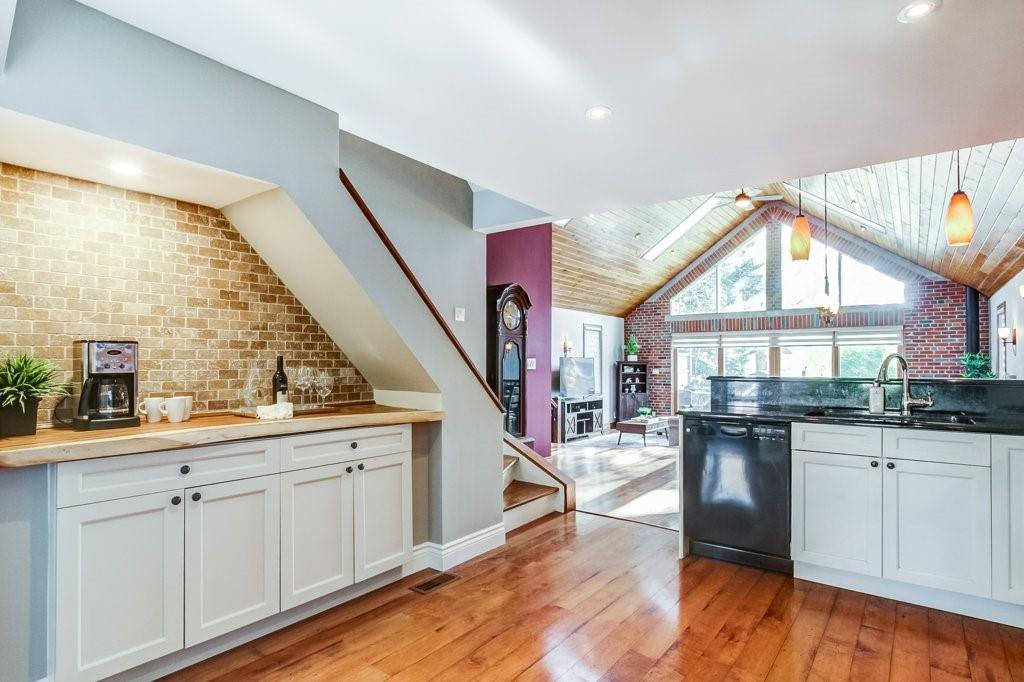 Photo 4: Photos: 528 HAGER Avenue in Burlington: Residential for sale : MLS®# H4091557