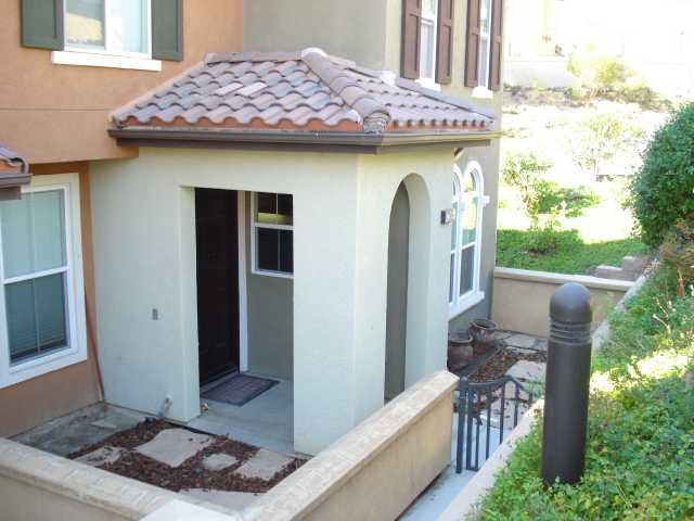 Main Photo: SAN MARCOS Townhome for sale : 3 bedrooms : 1736 Morgans Avenue