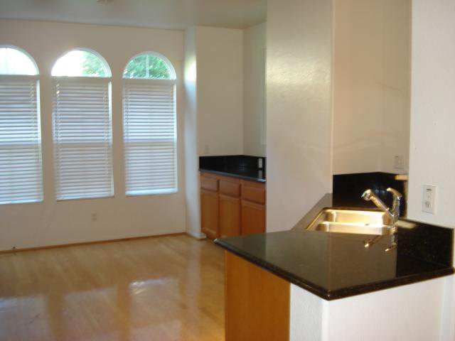 Photo 5: Photos: SAN MARCOS Townhouse for sale : 3 bedrooms : 1736 Morgans Avenue