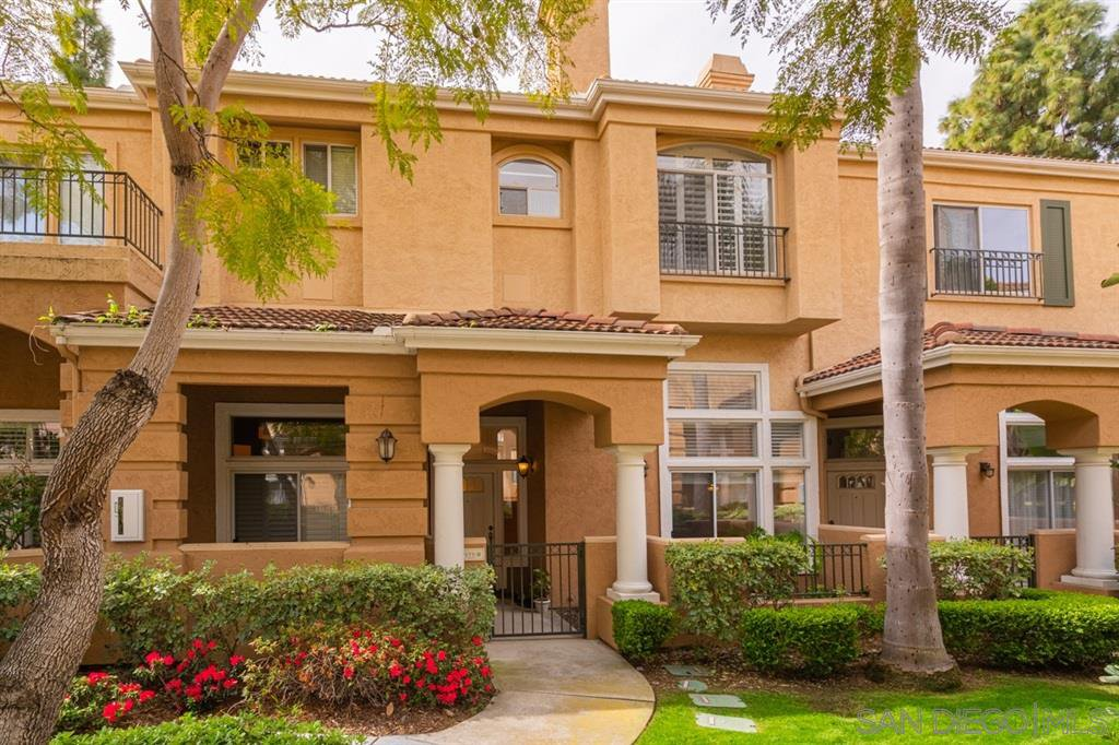 Main Photo: UNIVERSITY CITY Condo for sale : 2 bedrooms : 7175 Calabria Ct. #B in San Diego