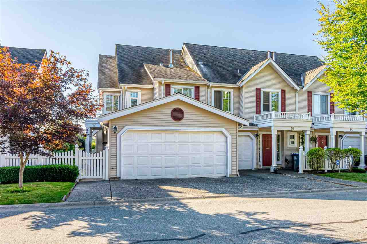 """Main Photo: 17 13499 92 Avenue in Surrey: Queen Mary Park Surrey Townhouse for sale in """"CHATHAM LANE"""" : MLS®# R2403467"""