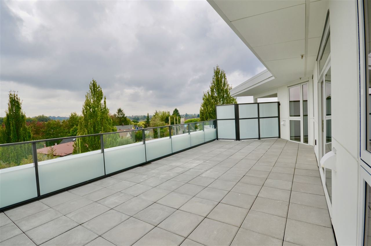 """Main Photo: PH1 3420 ST CATHERINES Street in Vancouver: Fraser VE Condo for sale in """"KENSINGTON views"""" (Vancouver East)  : MLS®# R2406272"""