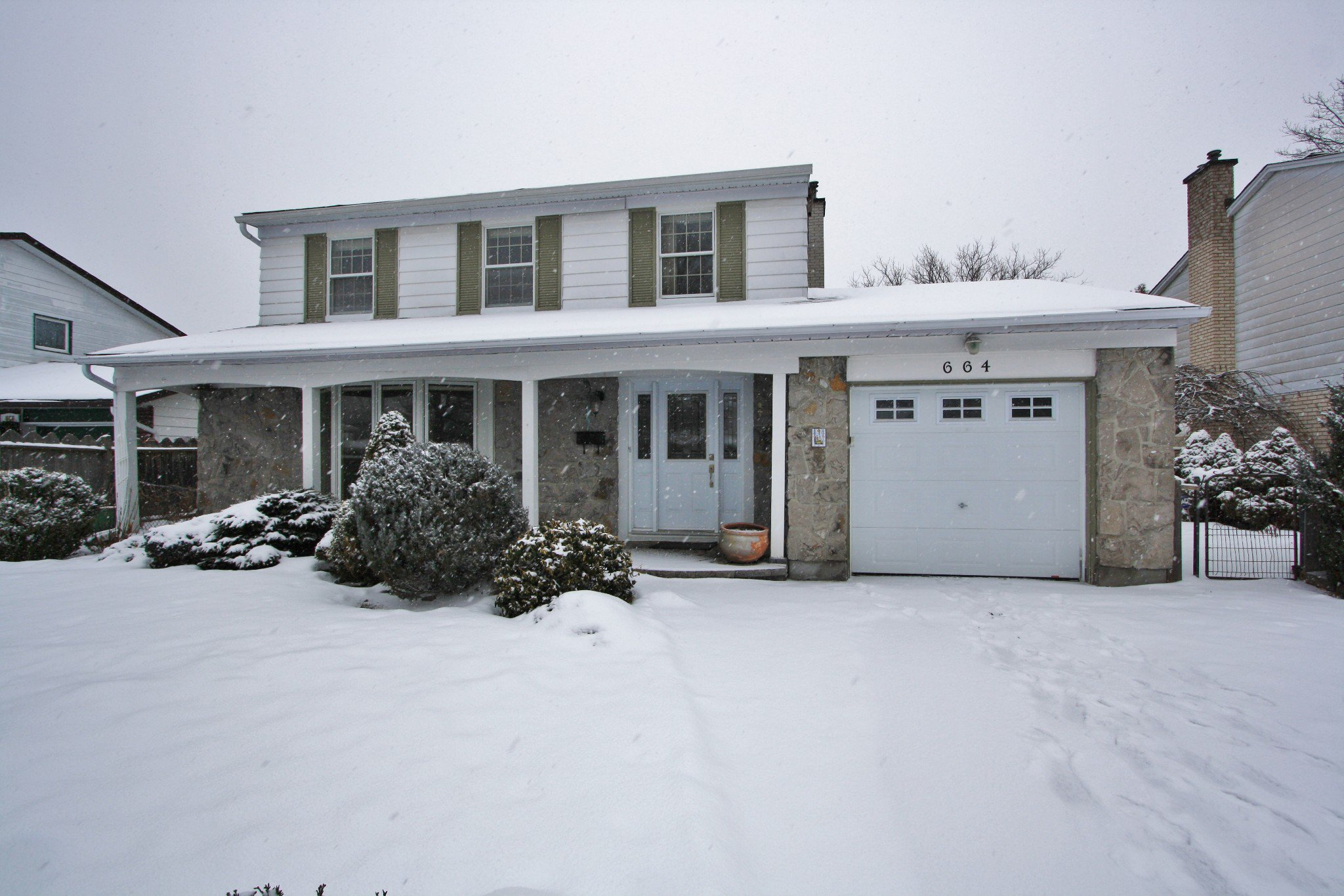 Main Photo: 664 Ingram Crescent in Ottawa: House for sale (Beacon Hill North)