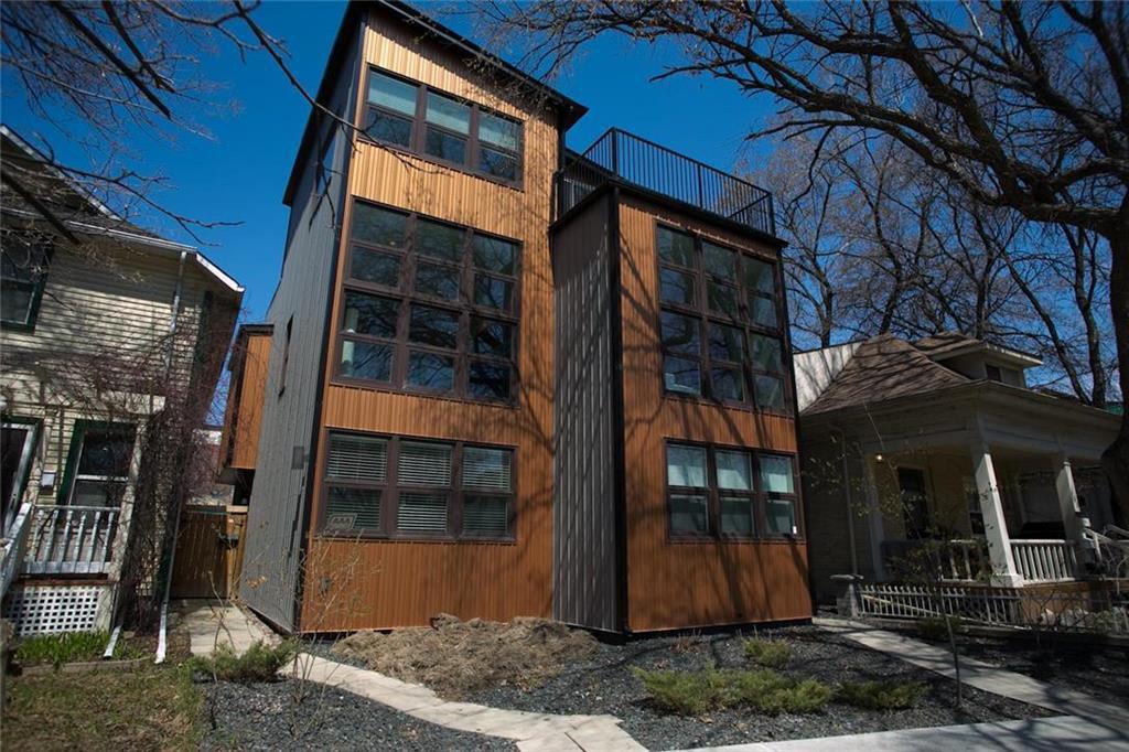 Main Photo: 149 Masson Street in Winnipeg: St Boniface Residential for sale (2A)  : MLS®# 202010895