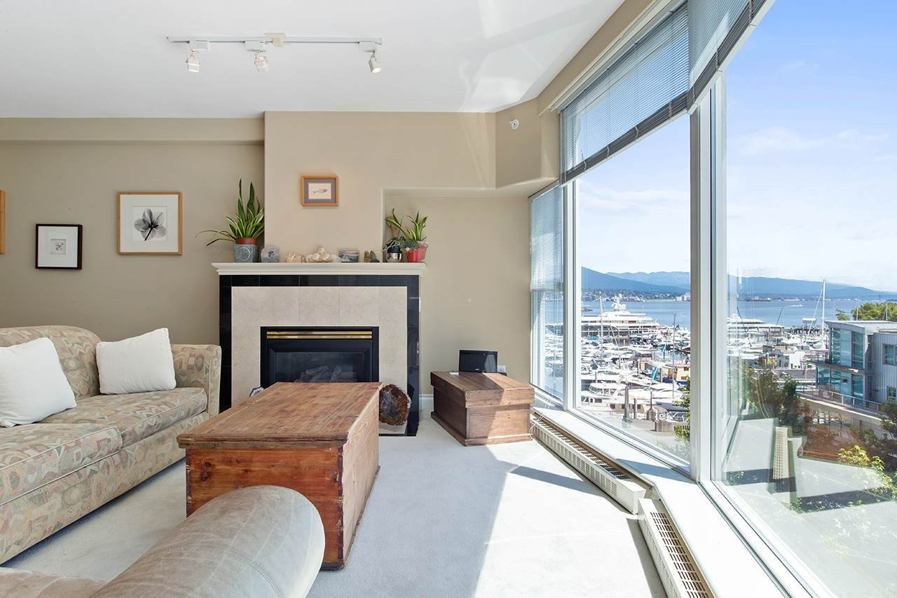 "Main Photo: 602 535 NICOLA Street in Vancouver: Coal Harbour Condo for sale in ""The Bauhinia"" (Vancouver West)  : MLS®# R2486799"