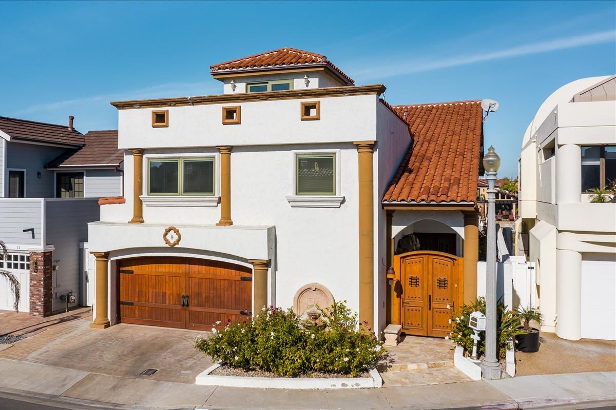 Main Photo: CORONADO CAYS House for sale : 4 bedrooms : 9 Sixpence Way in Coronado