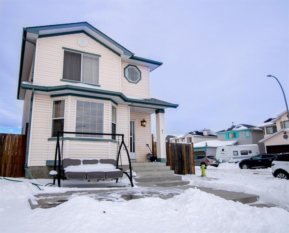 Main Photo: 7 Anaheim Court NE in Calgary: Monterey Park Detached for sale : MLS®# A1056339
