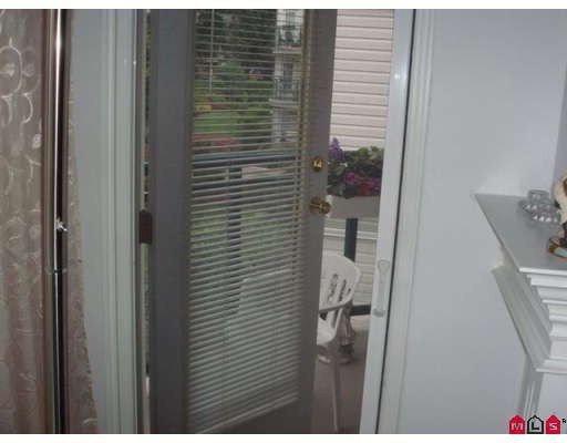 "Photo 8: Photos: 202 33280 E BOURQUIN Crescent in Abbotsford: Central Abbotsford Condo for sale in ""EMERALD SPRINGS"" : MLS®# F2900142"