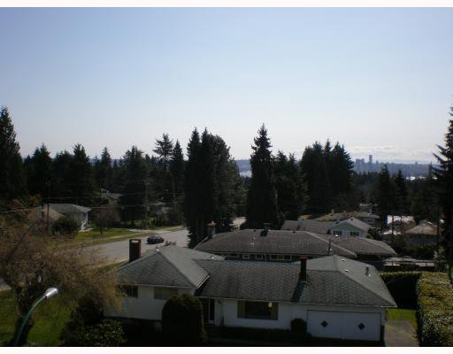 "Photo 7: Photos: 202 3707 DELBROOK Avenue in North Vancouver: Upper Delbrook Condo for sale in ""THE BROOK"" : MLS®# V756415"