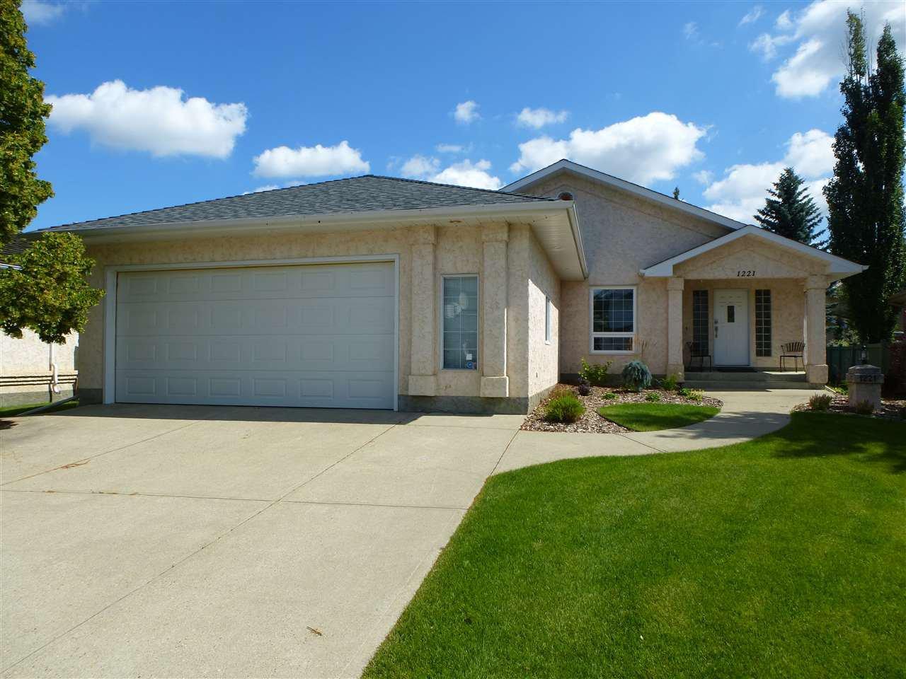 Main Photo: 1221 WERSHOF Road in Edmonton: Zone 20 House for sale : MLS®# E4198642