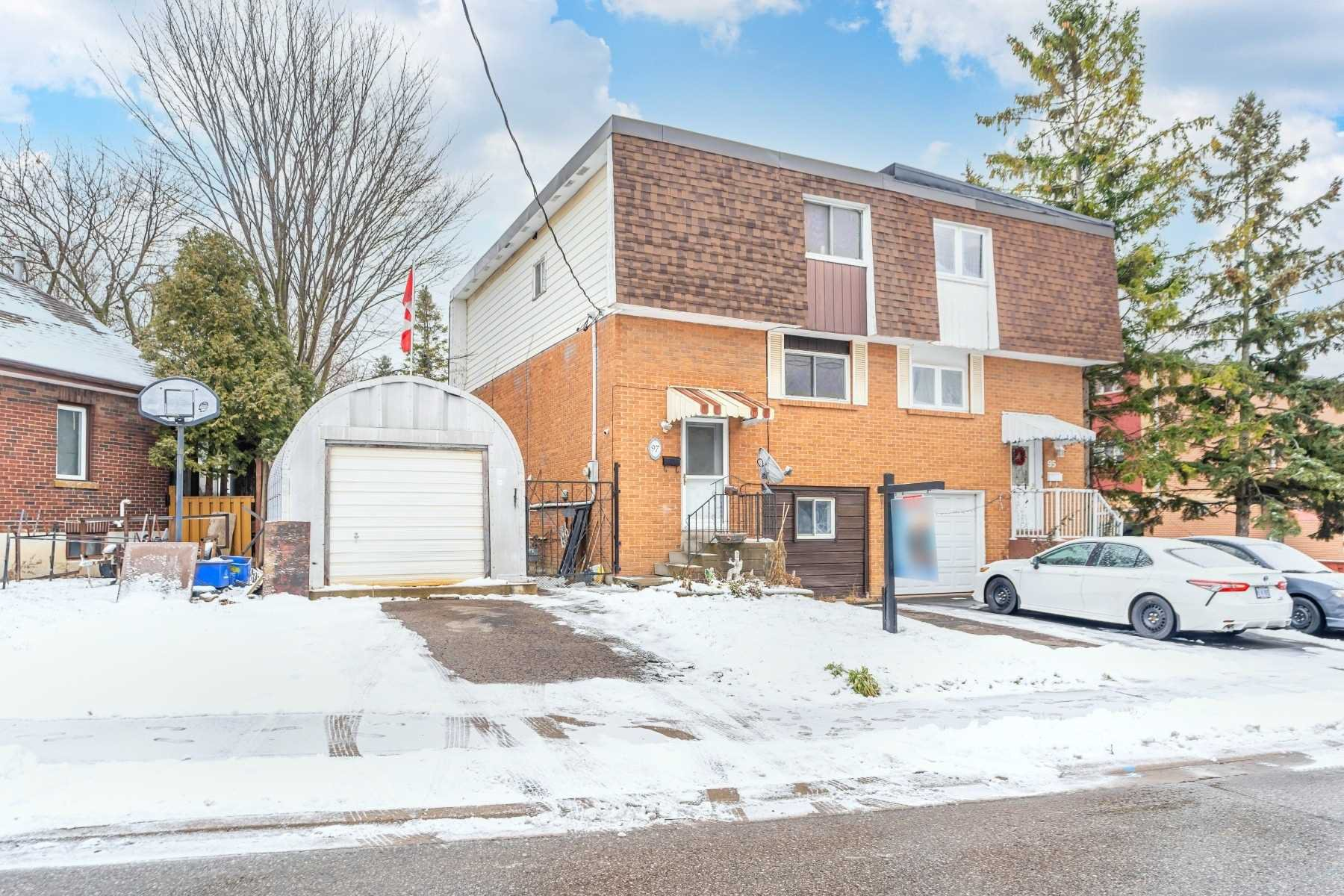 Main Photo: 97 Conant Street in Oshawa: Lakeview House (2-Storey) for sale : MLS®# E5076453