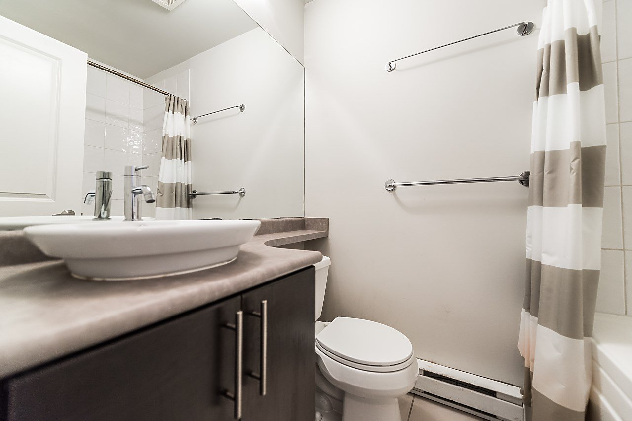 """Photo 14: Photos: 101 5692 KINGS Road in Vancouver: University VW Condo for sale in """"GALLERIA"""" (Vancouver West)  : MLS®# R2402127"""