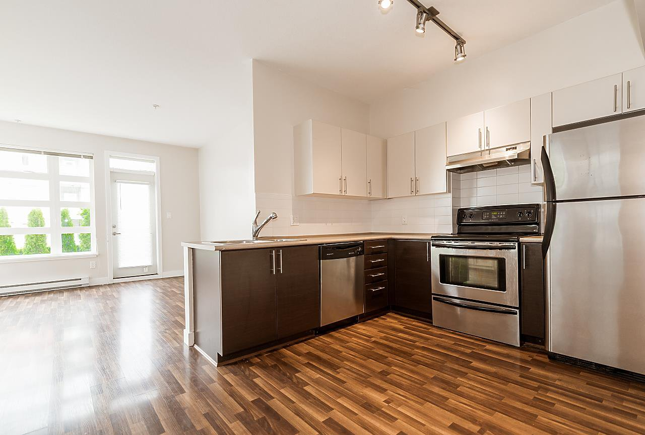 """Photo 6: Photos: 101 5692 KINGS Road in Vancouver: University VW Condo for sale in """"GALLERIA"""" (Vancouver West)  : MLS®# R2402127"""