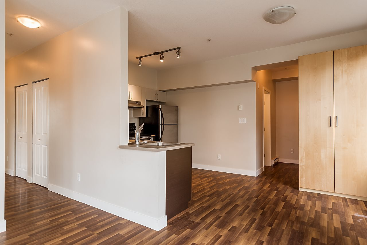 """Photo 8: Photos: 101 5692 KINGS Road in Vancouver: University VW Condo for sale in """"GALLERIA"""" (Vancouver West)  : MLS®# R2402127"""