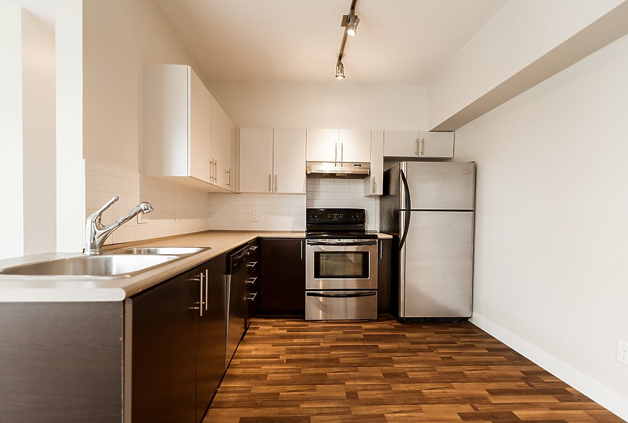 """Photo 7: Photos: 101 5692 KINGS Road in Vancouver: University VW Condo for sale in """"GALLERIA"""" (Vancouver West)  : MLS®# R2402127"""