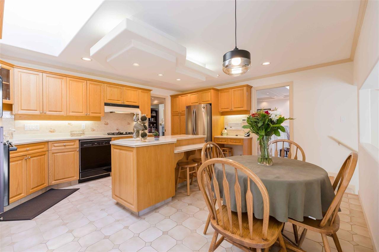 Photo 5: Photos: 3640 SABLE Avenue in Richmond: Steveston North House for sale : MLS®# R2409060