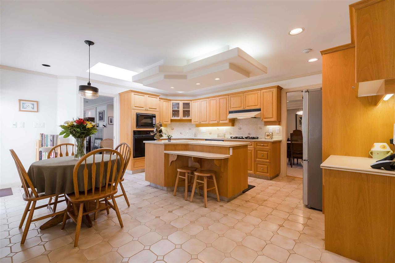 Photo 4: Photos: 3640 SABLE Avenue in Richmond: Steveston North House for sale : MLS®# R2409060